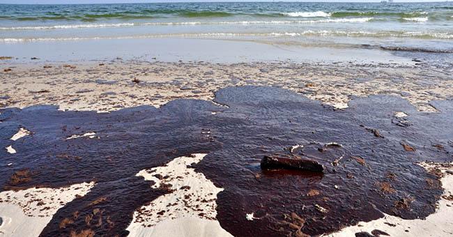 petrolio_spiaggia