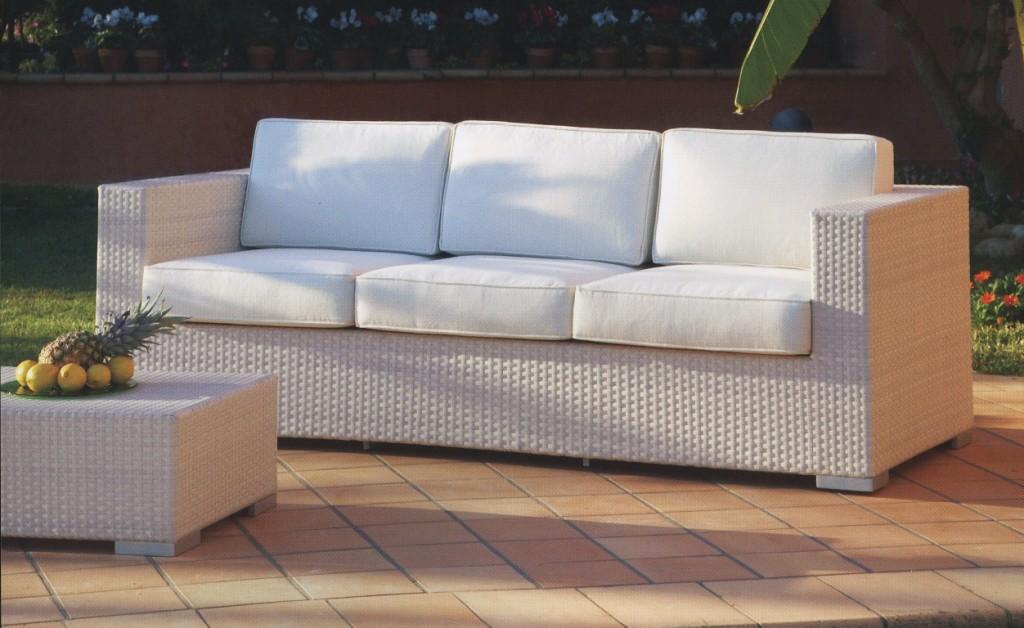 Rimodernare casa con i divani in rattan